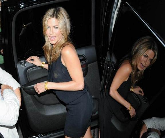 jennifer aniston oops
