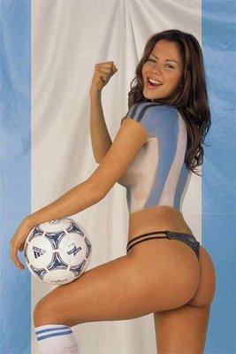 http://media.paperblog.fr/i/109/1095821/football-europeen-body-painting-L-1.jpeg