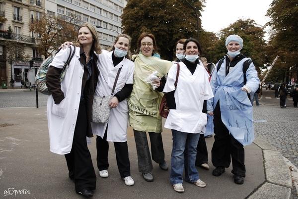 pêle-mêle: Gendarmes, santé et social, pour un travail décent.