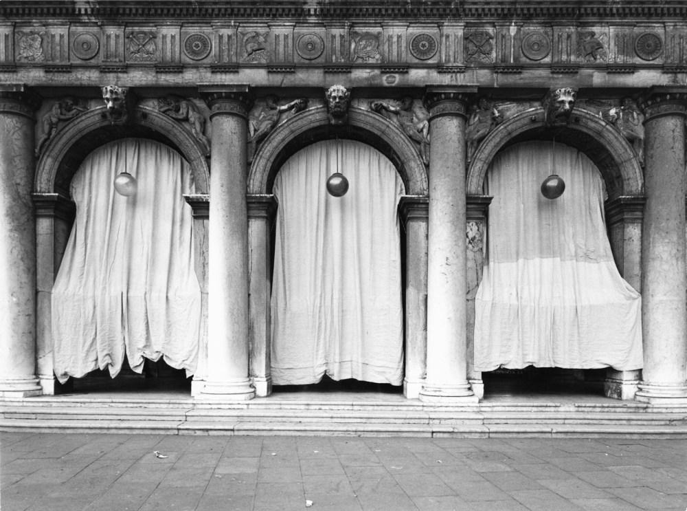 bd-schulz-dornburgvorhange-am-markusplatz-venedig-italien-1973.1223393463.jpg