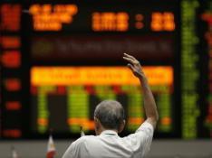 Bourse : Le CAC 40 rechute (-3.5%) malgré les banques centrales