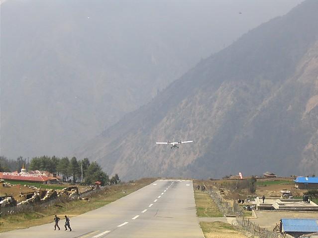 L'aéroport de Lukla X