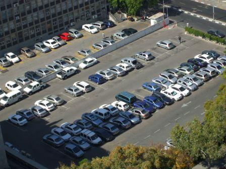 Tel_Aviv_parking_lot.jpg