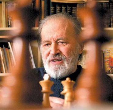 le champion d'échecs Danois Bent Larsen - photo La Nación