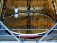 Le Zenith Telescope de l'University of British Columbia, d'un diamètre de 6 mètres, utilise un miroir liquide pour étudier le ciel