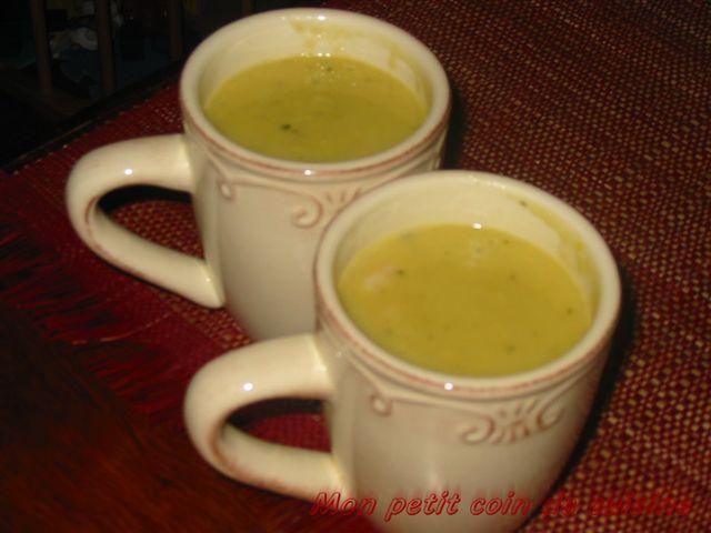 Soupe de pommes de terre et maïs aux crevettes
