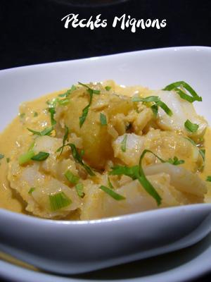 Coriandre, Herbes, Lait coco, Pâte de curry, Piments, Poisson, Pommes de terre, Sauce poisson, Thaï, Rapide