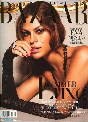 Eva Mendes absolument sublime en Une d'Harper's Bazaar