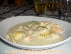 Ravioles de saint jacques et de crevettes, sauce poulette …