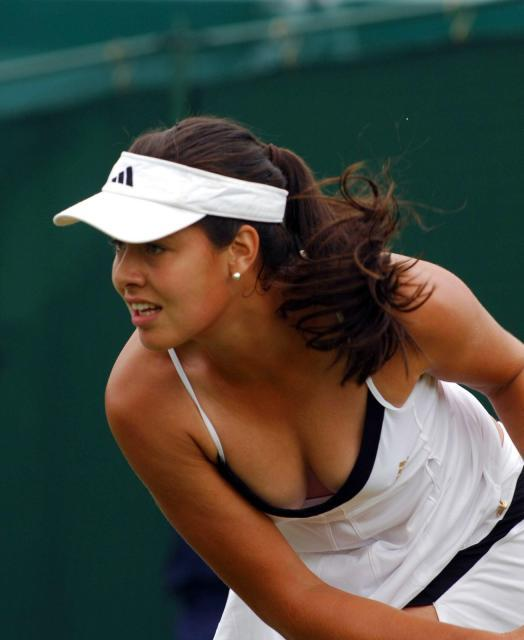 Ana Ivanovic - 2 Ana-ivanovic-sexy-wimbledon-L-1