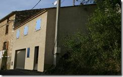 Constuction d'une maison avec garage dans le village de Montagnac
