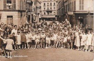 Photos de groupe d'enfants dans la rue Muller par François Gabriel