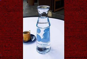 Trois nouvelles carafes eau de paris 2008 voir - Bouteille eau de paris ...