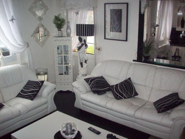 Ajouter une couleur dans ce salon noir et blanc d couvrir - Refaire son salon ...