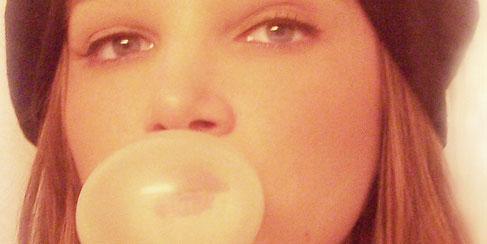 Bubble gum fetish