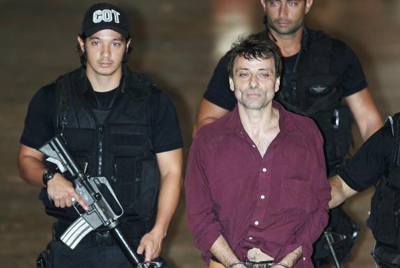 Le Brésil accorde l'asile politique à Cesare Battisti