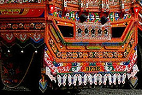 pakistan-guirlande-arriere-camion.1231924240.jpg