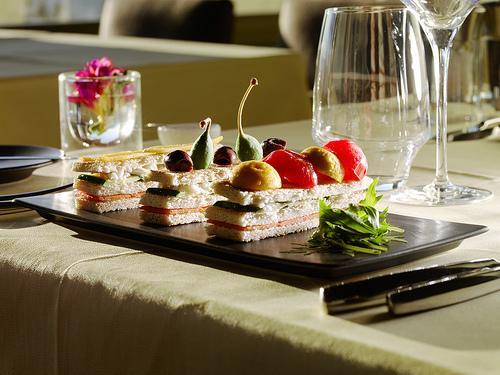 LeCrans H?tel & SPA - Le Restaurant, Entr?e - Copyright Olivier Currat