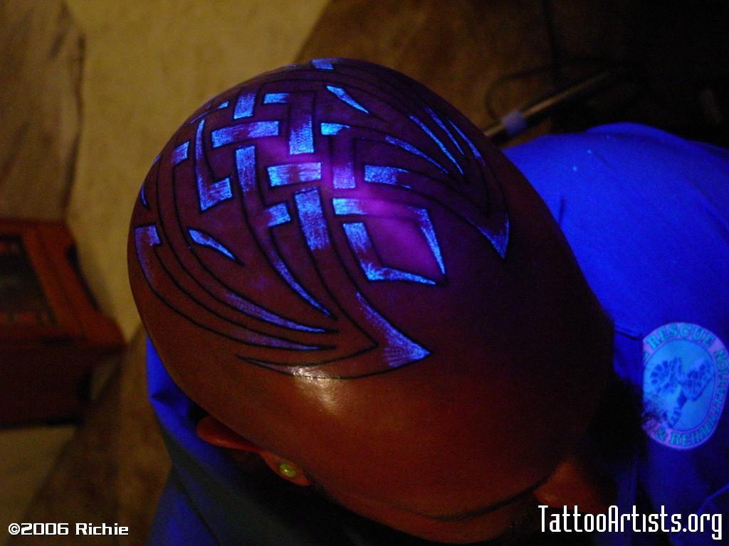 Ton's HeadTribal outline and Blacklight shade.