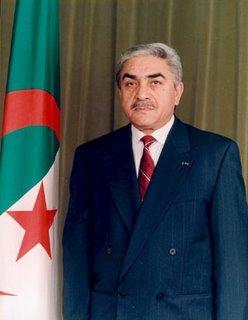 Algérie: Lamine Zeroual retire sa candidature
