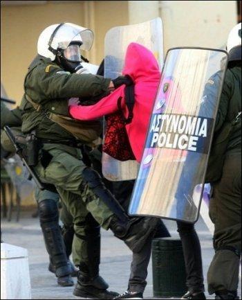 Prison avec sursis pour de jeunes manifestants solidaires de la jeunesse grecque