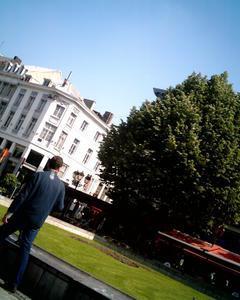 Liège - Ville - Poème libre - Acrostiche - Véronique Dubois