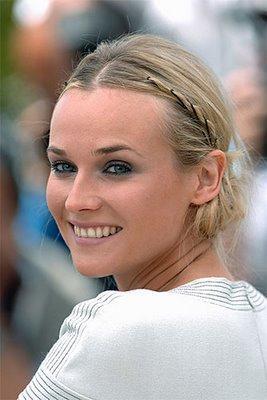 Petite tresse dans les cheveux de nos amies les stars : Heidi Klum, Scarlett Johansson, Bar Rafaeli...