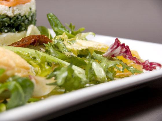 Timbale de saumon à la féta, épinards et pommes de terre