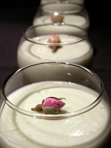 Thermomix: Petites crèmes à la pistache