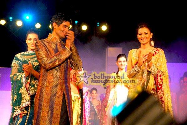 [PHOTOS] Manish Malhotra's fashion show at FICCI-FRAMES 2009
