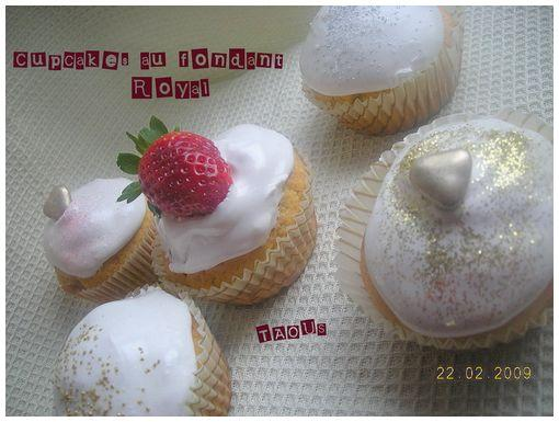 Cupcakes au fondant royal