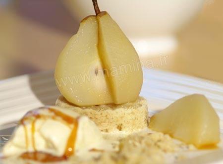 Poire et gÂteau croustillant, glace au chocolat blanc et aux noix