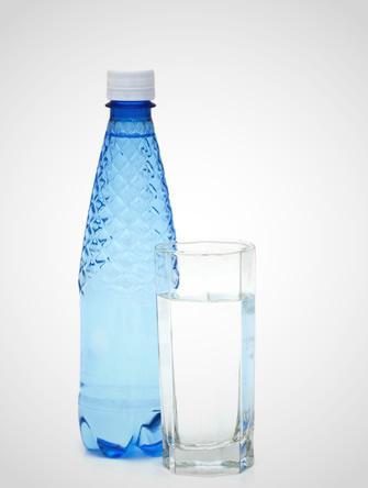 Eau du robinet ou eau en bouteille quelle eau choisir - L eau du robinet ou l eau en bouteille ...