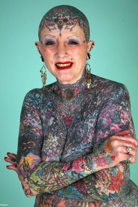 La femme la plus tatouée du monde