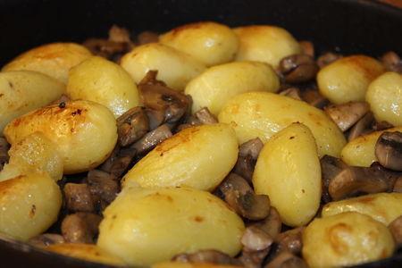 Pommes_de_terre_r_ties_aux_champignons