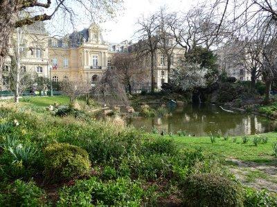 Semaine sans pesticides les espaces verts de paris for Espace vert paris