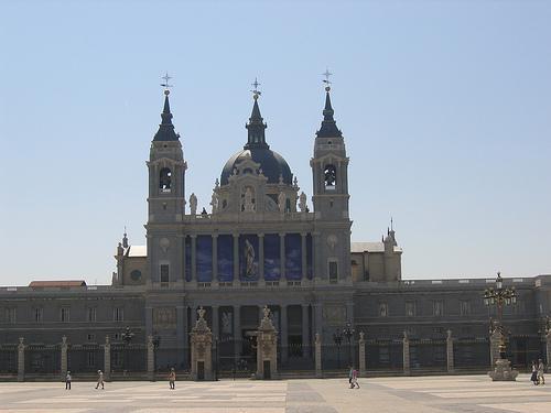 cathedrale-la-almudena