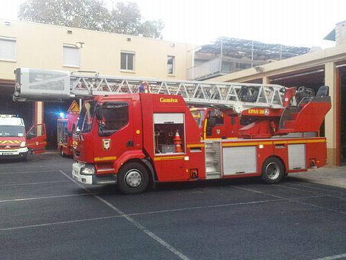 Comment faire pour entrer chez quelqu 39 un alors que la - Comment dessiner un camion de pompier ...