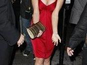 Jessica Stroup vraiment seins superbes