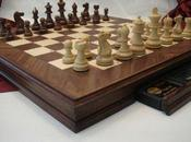 Jouer avec ordinateur d'échecs dédié