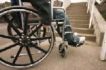 fauteuil roulant motorisé s'emballe emporte femme âgée l'autoroute