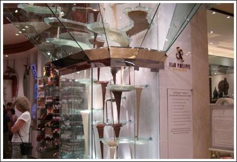 une fontaine en chocolat qui donne faim voir. Black Bedroom Furniture Sets. Home Design Ideas