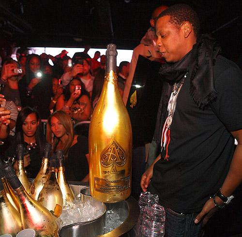 http://media.paperblog.fr/i/181/1817382/jay-z-dope-business-darmand-brignac-L-1.jpeg