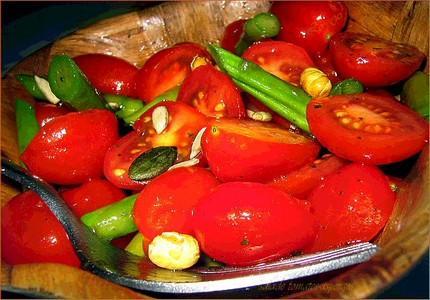Salade de tomates et asperges si simple et si bon paperblog - Salade de tomates simple ...
