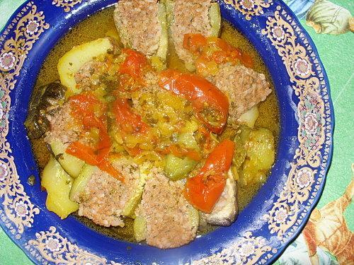 Légumes farcis au riz et à la viande hachée