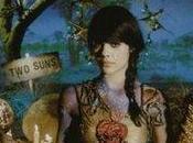 2009 Lashes Suns Reviews Chronique d'une nymphe dévoile monde musical merveilleux