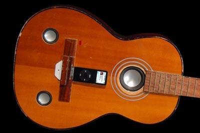 Un iPod dans une guitare
