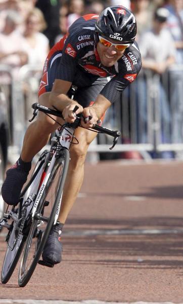 El corredor español Alejandro Valverde, del equipo Caisse D'Epargne, comienza la etapa prólogo del Tour de Francia 2007 - EFE - 07/07/2007