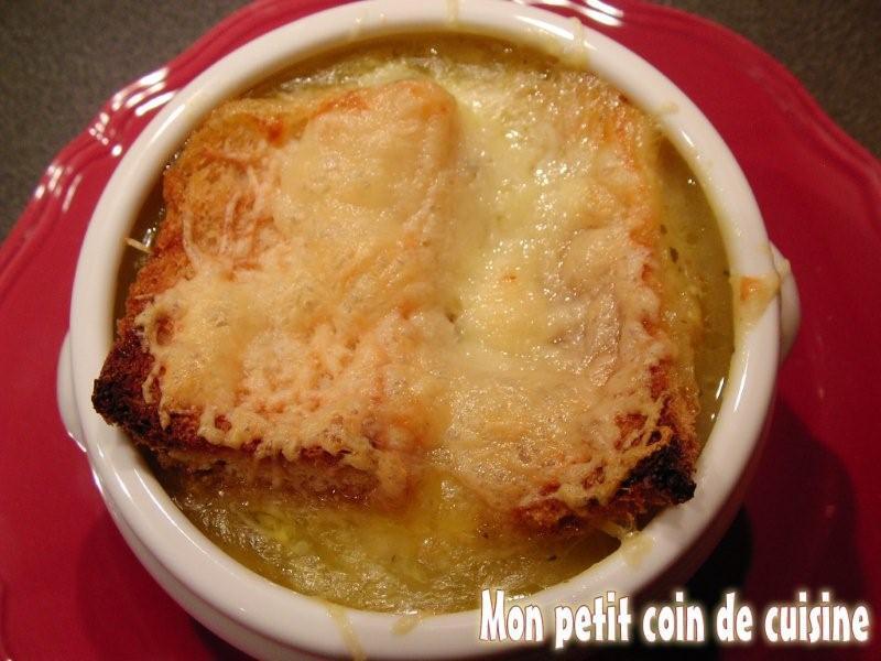 Soupe l 39 oignon gratin e sans lait de vache paperblog - Soupe a l oignon gratinee ...