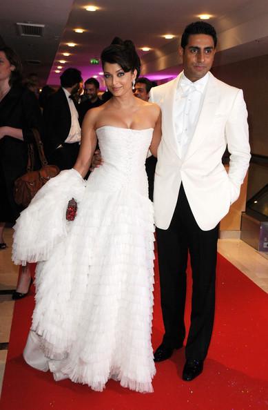 Aishwarya Rai & son mari Abhishek Bachchan (Festival de ... анджелина джоли сейчас